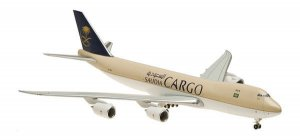 Saudi Arabian Airlines Boeing 747800F HZ-AI4 on ground 1.400 scale Aircraft model hogan HG5453