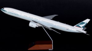 Cathay Pacific Boeing 777-300ER B-KQY JC Wings 1:200 Diecast Airplane Model XX2486