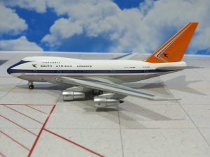 South African Airways Boeing 747SP ZS-SPB 1/400 Scale Diecast Metal Aircraft Model Herpa 562133