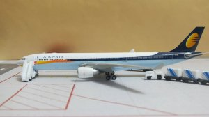 Jet Airways Airbus A330-300 VT-JWR 1/400 Scale Diecast Metal Aircraft Model Phoenix PH10716