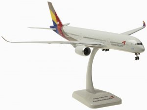 Asiana Airlines Airbus A350-900 1.200 Scale airplane model hogan HG10307GR