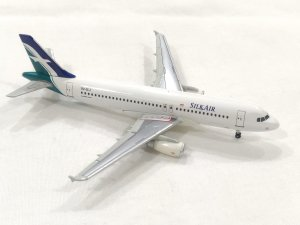 Silkair Airbus A320 9V-SLJ 1/400 Scale Diecast Metal Aircraft Model Herpa