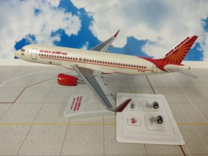 Air India Airbus A320-200 ENHANCED VT-EXE 1/200 Scale Aircraft model Hogan HG11052