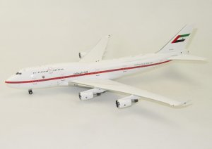 United Arab Emirates Boeing 747-400 A6-UAE  With Stand   1/200 Scale Airplane Model Inflight200 IF7441116