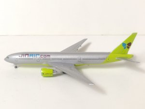Jin Air Boeing 777200ER 1/400 Scale Diecast Metal Aircraft Model Hogan HG40021