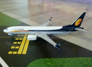 Jet Airways Boeing 737 Max 1/400 Scale Diecast Metal Aircraft Model Aeroclassics AC419391