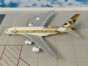 "(DEFECTED) Etihad Airways Airbus A380-800 ""Year of Zayed, 2018"" A6-APH 1.400 Scale Aircraft Model Geminijets GJETD1813"