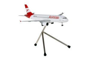 Austrian Airlines Airbus A320-200 Reg OE-LBL 1/200 Scale Aircraft model With Tripod Stand Hogan HGAUA002