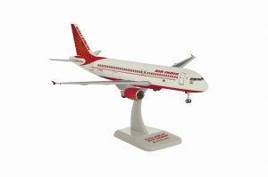 Air India Airbus A320-200 Classic VT-EDD 1/200 Scale Aircraft Model Hogan HG11069GR