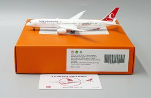 Turkish Airlines Boeing 787-9 Dreamliner Flaps Down Version Reg TC-LLA 1/400 Scale Diecast Aircraft Model Jcwings EW4789008A