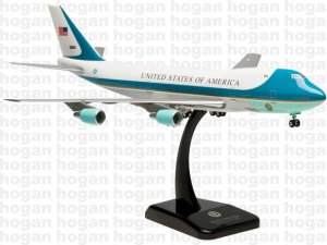US AIR FORCE ONE Boeing 747-200 (VC-25A) 1.200 Scale Miniature Aircraft Model Hogan HG2049GR
