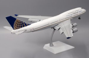 "United Airlines Boeing 747-400 ""Last Flight"" ""Flaps Down Version"" Reg N118UA With Stand 1/200 Scale Diecast Airplane Model Jcwings XX2203A"