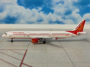 Air India Airbus A321 Reg VT-PPB 1/400 Scale Diecast Metal Aircraft Model Aeroclassics AC419785