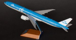 "KLM Boeing 777300ER ""95 YEARS"" PH-BVK 1/200 Scale Metal Aircraft Model Jcwings XX2345"