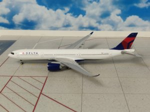 Delta Airlines Airbus A330-900neo N401DZ 1.400 Scale Aircraft Model Geminijets GJDAL1837