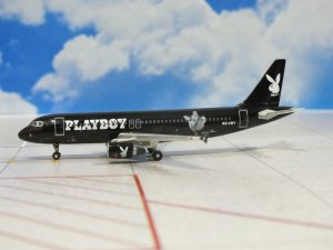 Playboy Airbus A320 SE-XBY 1/400 Scale Diecast Metal Aircraft Model Phoenix 10219