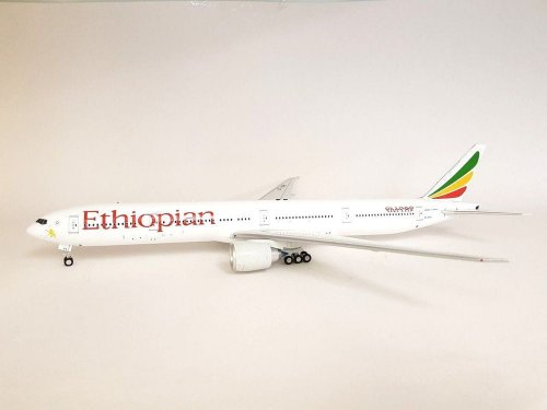 Ethiopian Airlines Boeing 777-300ER ET-APX With Stand 1/200 Scale Diecast  Airplane model